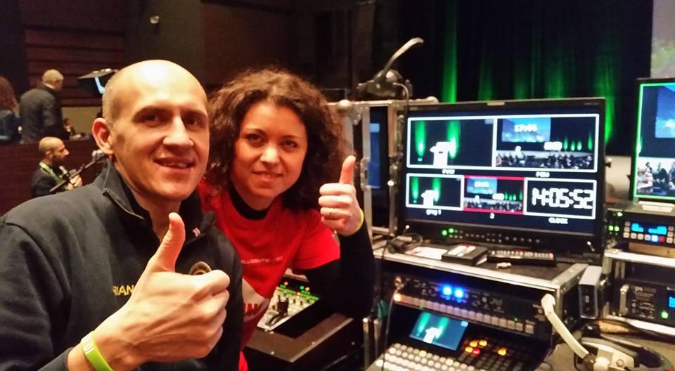 Business Intelligente a Nizza. Adriano Gall con Elena Padovese in regia.